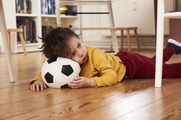 Sportübungen für Kinder: kleiner Sportmuffel