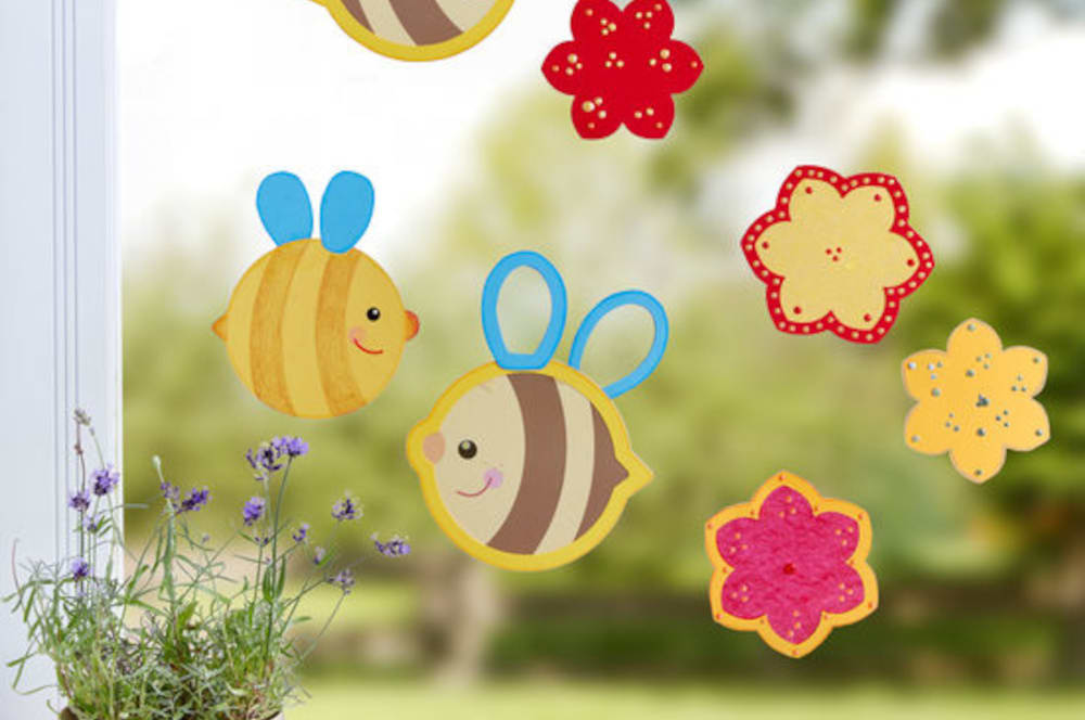 Bastelideen für den Sommer: Süße Bienen & Blumen am Fenster