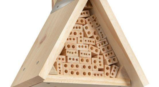 Insektenhotel mit unserem Bausatz bauen