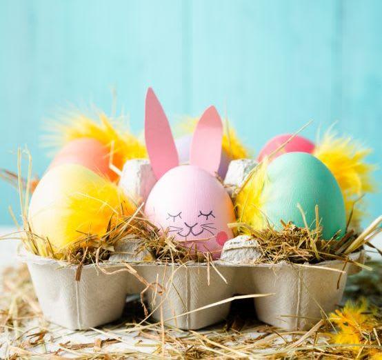 Basteln mit Kindern für Ostern: Osternest aus Eierkartons