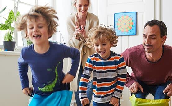 Toben und hüpfen: Bewegungsspaß für drinnen