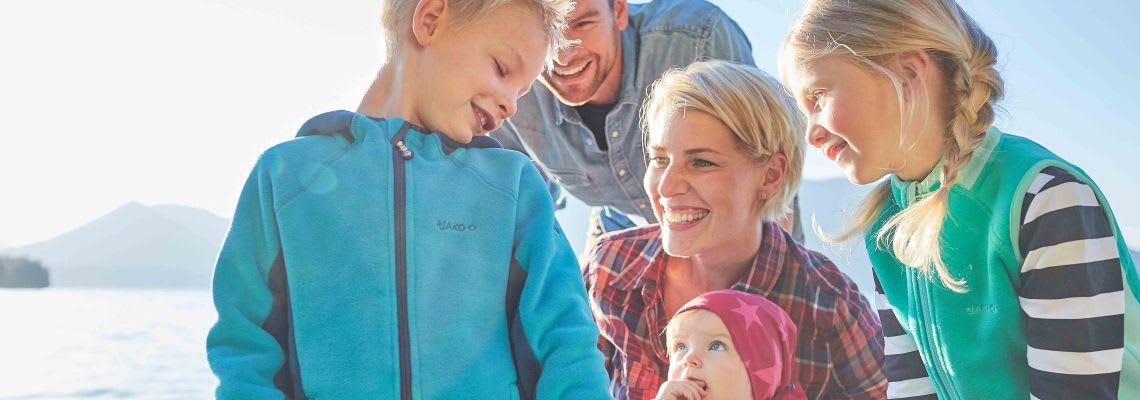 Geschwisterliebe: Familie macht Ausflug