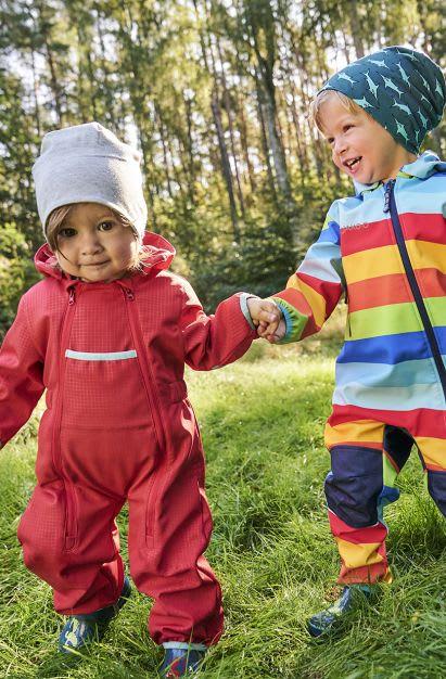 Unternehmungen mit Kindern: Kleinkinder beim Wandern