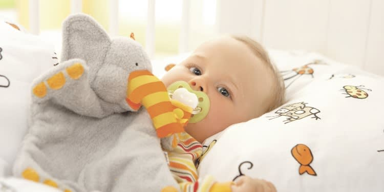 Baby_Schnuller_750.jpg