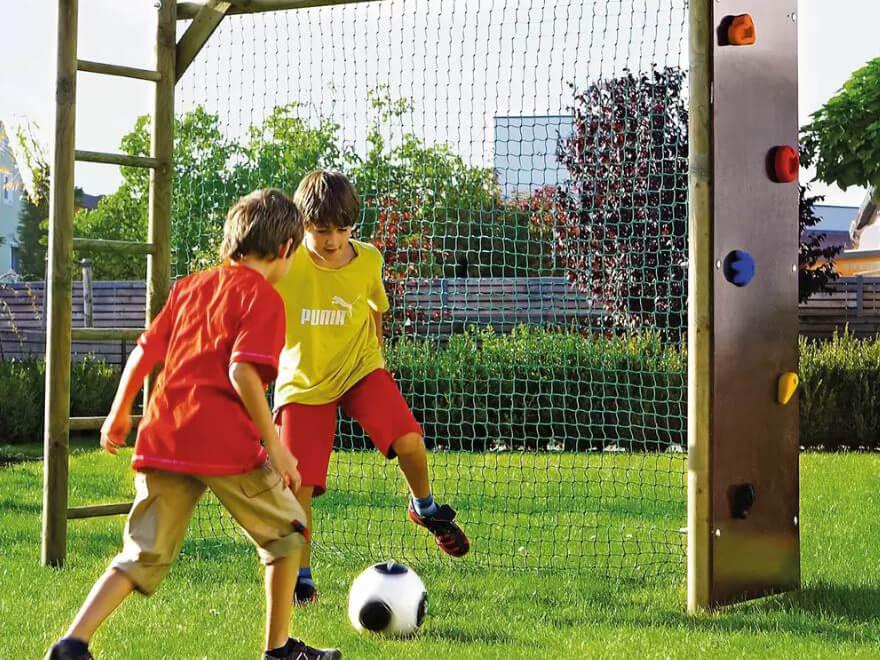 kinder-spielen-fußball.jpg
