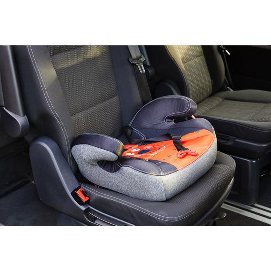 JAKO-O Autokindersitz Sitzerhöhung mit Isofix